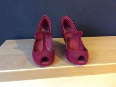 Sandálias Melissa bordeaux tamanho 37 Em muito bom estado, estou a vender porque estão um pouco grandes Bordeaux, Mary Janes, Shoes, Fashion, Melissa Shoes, High Heels, Shabby Chic, Nice, To Sell