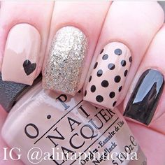 Dots nails. More inspo at www.closertofashion.com