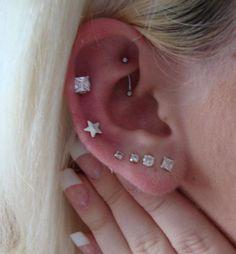 Piercings múltiples del oído