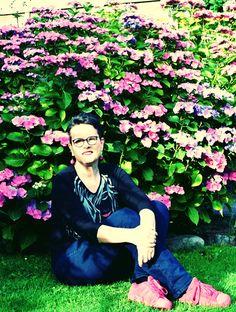 Selfie im Garten mit Hortensie