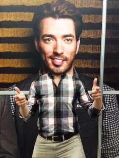 I know...weird. But good times at The Cable Show in LA! #Cable2014 Man On Fire, Jonathan Silver Scott, Great Scott, Scott Brothers, Identical Twins, Property Brothers, Man Alive, Hot Guys, Cool Photos
