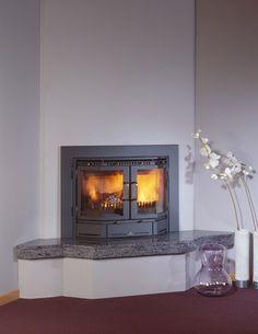 De #Barbas Panolux 52 is een inbouw #houthaard en is een gebogen front model. De haard geeft u de sfeer terug van een open haard. De Panolux 52 maakt deel uit van de serie ''Classics'' haarden van Barbas. De inbouw houthaard is dankzij het strakke design prachtig te plaatsen op de door u gewenste positie. #Fireplace #Fireplaces #Houtkachel