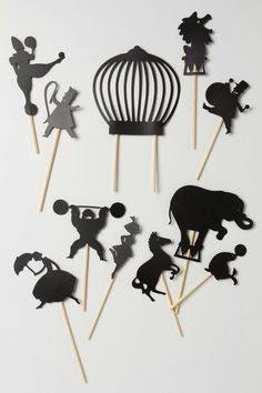 Getting DIY inspired by the Midnight Circus Shadow Puppets from Anthropologie. Paper Puppets, Paper Toys, Paper Crafts, Cardboard Toys, Diy For Kids, Crafts For Kids, Diy Cadeau Noel, Shadow Theatre, Night Circus