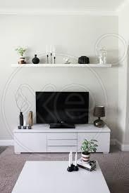 ΕΠΙΠΛΟ TV ΙΚΕΑ BESTA BURS, Λευκη λακα, με δυο συρταρια πολυ μεγαλα και τρια ντουλαπακια αρχικη τιμη 329€ Πλάτος: 180 cm Βάθος: 41 cm Ύψος: 49 cm, τιμή 150€ , 6983339048