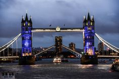 Pin for Later: Cities of the World Pay Tribute to Paris Following the Recent Terrorist Attacks London