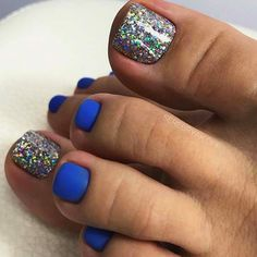 51 Adorable Toe Nail Designs For This Summer Blue Matte and Glitter Toe Nail Design Glitter Toe Nails, Blue Toe Nails, Gel Toe Nails, Pretty Toe Nails, Toe Nail Color, Summer Toe Nails, Super Cute Nails, Feet Nails, Pedicure Nails