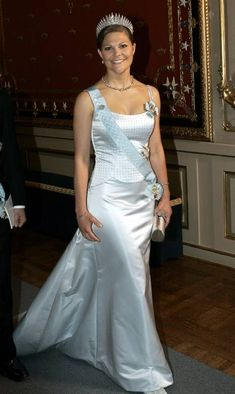 Crown Princess Victoria wore this tiara for a dinner celebrating King Carl XVI Gustaf's 60th Birthday on April 30, 2006.