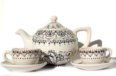 beautiful Teapot with  2 tea cups for the by Dprintsclayful, $115.00