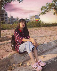Cute Girl Face, Cool Girl, Cute Girls, Cool Outfits, Fashion Outfits, Cute Korean Girl, Cute Cartoon Wallpapers, Aesthetic Girl, How To Take Photos