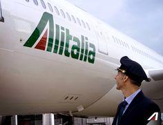 #Toldo realizza il suo sogno da bambino: diventare un pilota di aerei. #Tifalitalia  Toldo has always wanted to be a pilot since he was young.