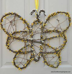 Super cute Butterfly Wreath from Ever Blooming Originals