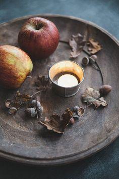 Самайн, плоды и свечи. Samhain.