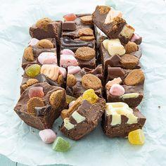 Dutch Recipes, Sweet Recipes, Baking Recipes, Cake Recipes, Cupcakes, Cupcake Cakes, Good Food, Yummy Food, Mini Cheesecakes
