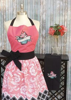 PERSONALISED PINK CUPCAKE  APRON design 6 PERSONALISE FREE OF CHARGE