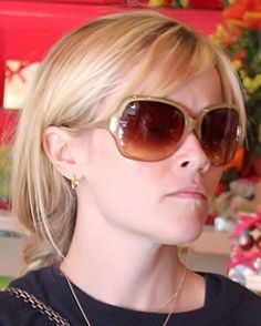 Reese Witherspoon wearing Oliver Peoples's - Guiselle