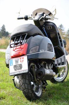 Vespa 300, New Vespa, Vespa Sprint, Piaggio Vespa, Lambretta Scooter, Vespa Motor Scooters, Vespa Motorcycle, Pocket Bike, Cool Bikes