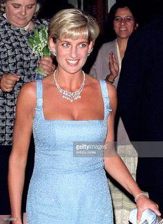 Diana The Princess Of Wales Attends A Gala Performance Of 'Swan Lake' At London'S Royal Albert Hall. (Photo by Antony Jones/UK Press via Getty Images) Diana Fashion, Royal Fashion, Camilla, Princess Diana Jewelry, Versace, Prinz Charles, Ballet Performances, Princes Diana, Royal Albert Hall