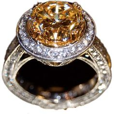 Johnathon Arndt Round Halo Diamond Engagement Ring as seen on Carrie Underwood
