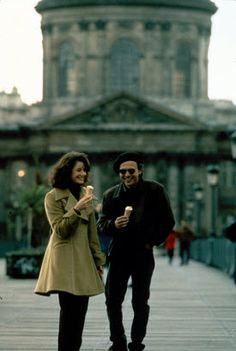 Scene from Forget Paris 90s Movies, Good Movies, Movie Tv, Movies Showing, Movies And Tv Shows, Paris Movie, Debra Winger, Billy Crystal, Movie Club