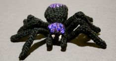 Rosemarsh Knits: Knit A Spooky, Sparkly Spider - Free Pattern Halloween Knitting Patterns, Animal Knitting Patterns, Halloween Crochet, Knit Patterns, Knitting Projects, Stitch Patterns, Knitting Ideas, Crochet Projects, Sweater Patterns