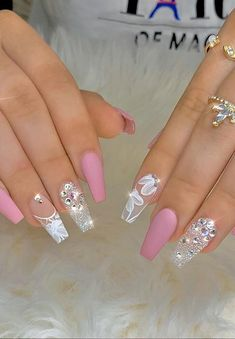 35 Beautiful Acrylic Pink Coffin Nails Design Be A Pretty Girl - Page 9 of 12 - Latest Fashion Trends For Woman Bling Nails, Gold Nails, Swag Nails, Stiletto Nails, Cute Acrylic Nail Designs, Gold Nail Designs, Nails Design, Summer Acrylic Nails, Cute Acrylic Nails