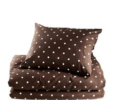 "Bed set ""Dot"" - in gray - too bad it's an Eastern European site and I have no idea the price, much less how to order it!"