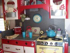 Vintage camper - love the aqua and red together