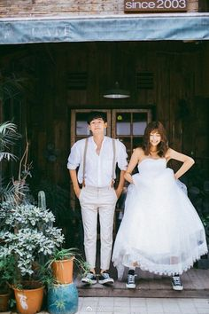 47 Wonderful Korean Prewedding Photo Ideas That Remarkable For You – Wedding Fotoshooting Wedding Photography Packages, Wedding Photography Poses, Wedding Poses, Wedding Shoot, Wedding Couples, Wedding Dresses, Fall Photography, Couple Photography, Korean Wedding