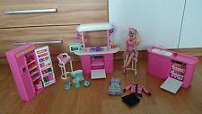 Barbie Küche mit Zubehör und Puppe