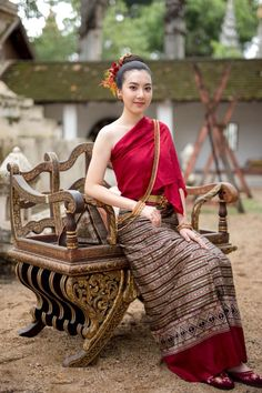 Traditional Thai Clothing, Traditional Dresses, Thailand Fashion, Thai Fashion, Thai Dress, Thai Style, Silk Dress, Silk Skirt, Asian Woman