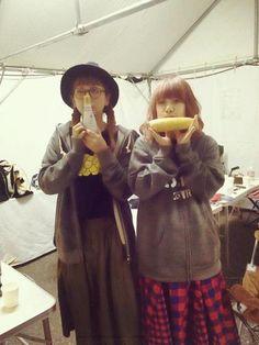 """Yumi Yoshimura & Ami Onuki : """"¡SPARKS GO GO, 25º aniversario, Special JUNK! JUNK! JUNK! 2015, en la ciudad de Kutchan! ¡Gracias!""""  Esta foto fue extraída, del Twitter del Staff de PUFFY.  ¡Qué linda comida!  ¡Saludos!   puffy_4ever"""