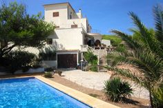 11----House in Cala Mesquida, Spain. A spacious 3 storey building set in the middle of a very large plot. It is completely secure and is not overlooked by any other property. Inside, the property has 6 large double bedrooms (5 with air conditioning) to comfortably sleep 12.  Situated...