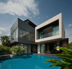 Travertine Dream House / Serangoon, Singapore, A project by: Wallflower Architecture + Design