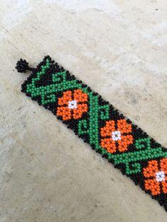 Camila Huichol beaded bracelet 5.5 long por ArtesaniasBatyah
