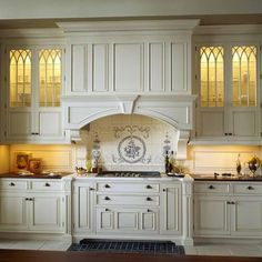 Home Improvement – Old World Kitchen Design Ideas white Victorian kitchen with lighted glass cabinets and extensive moldings White Kitchen Interior Design, Country Bedroom Decor, French Country Kitchen, Kitchen Remodel, Victorian Kitchen, Country Kitchen, Home Kitchens, Kitchen Renovation, Old World Kitchens