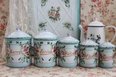 Beautiful enamelware set.