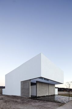 House to See the Sky,© Onnis Luque