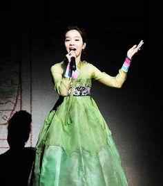 lovely song so hee - korean national treasure wearing beautiful hanbok