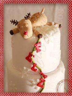 Tuckered out little reindeer haha... Maria João Bolos Artísticos (scheduled via http://www.tailwindapp.com?utm_source=pinterest&utm_medium=twpin)