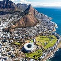 Exploration to spend time with Table Mountain combo day tour on top of Table Mountain, Robben Island as well as Cape Town City of cultural. Pretoria, Resorts, Dubai, British Airline, Cape Town South Africa, Island Tour, Economic Development, Beautiful Places In The World, Summer School