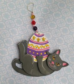 Easter Egg Cat Ornament  Gray Cat Hand Made Clay von kittycatstudio
