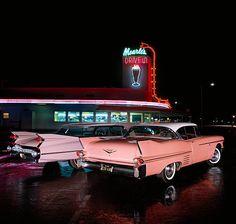 Audrey Hepburn: An Icon, An Inspiration - travel - Design de Carros e Motocicletas 1950s Aesthetic, Diner Aesthetic, Aesthetic Vintage, Neon Aesthetic, Rosa Cadillac, Pink Cadillac, Vintage Diner, Vintage Cars, Vintage Signs