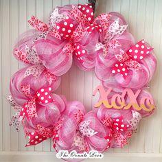 Cute Valentine Ideas, Diy Valentines Day Wreath, Valentines Art, Homemade Valentines, Valentine Decorations, Printable Valentine, Fall Mesh Wreaths, Holiday Wreaths, Door Wreaths