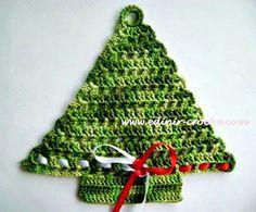 Arbolito de navidad tejido.