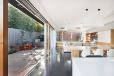 Tooronga Road House - Preston Lane