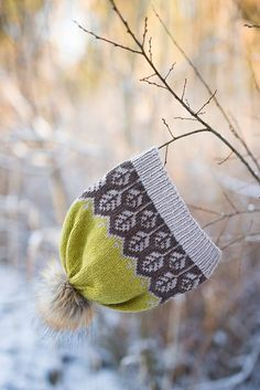 Ravelry: Land of leaves hat / Løvverklue pattern by Marianne J. Bjerkman