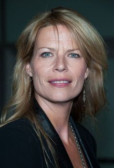 """Mary Elizabeth McGlynn as Merrilee Summers in the """"Walker:Texas Ranger"""" episode, """"Right Man, Wrong Time"""""""