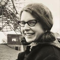 British astrophysicist, scholar and trailblazer Jocelyn Bell Burnell discovered the space-based phenomena known as pulsars, going on to establish herself as an esteemed leader in her field. Isaac Newton, Sigmund Freud, Matilda, Lise Meitner, Einstein, Snowshoe Cat, Nobel Prize In Physics, Science Fiction Authors, Prix Nobel