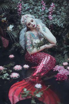 Mermaid Photo Shoot, Mermaid Pose, Mermaid Pictures, Mermaid Art, Fantasy Photography, Creative Photography, Portrait Photography, Art Vampire, Vampire Knight