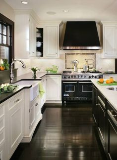 Love the color selections and the accent above the stove top.